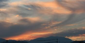 刻を過ぎた夕焼け空