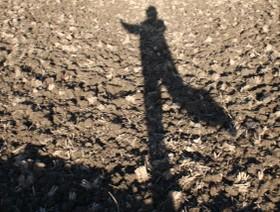 ノッポさんの影