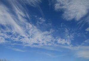 流れる白雲