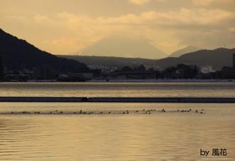 初日の出直前の富士山